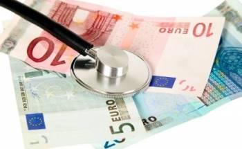 soldi e stetoscopio